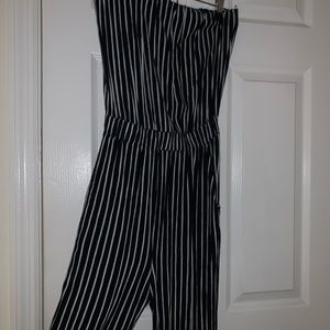 Strapless jumper with pockets